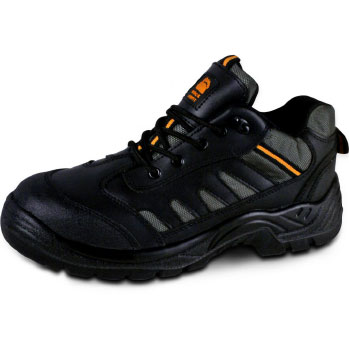 Leather safety trainer with steel mid-sole and toe cap